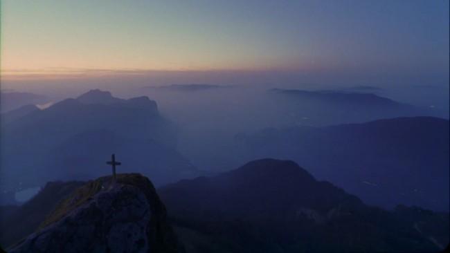 croix-au-sommet La pierre et la montagne